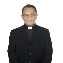 Pater Managamtua Simbolon, SJ